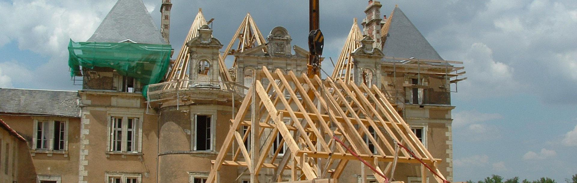 Couverture et charpente du chateau de la Reynière
